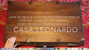 Felicitació Nadal 2017 La maleta perfecta per venir a Casa Leonardo i gaudir del nostre entorn Felicitación de Navidad 2017 La maleta perfecta para venir a Casa Leonardo y disfrutar de nuestro entorno The 2017 Christmas Greeting The perfect suitcase for your holiday at Casa Leonardo